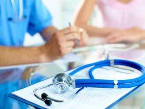 Почти всички училища в България са без лекар