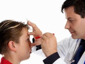 Засилват контрола върху медицинските бележки от ученици