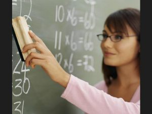 Над 100 свободни работни места за учители във Варна