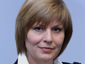 Министър Георгиева посети спортното училище в Бургас
