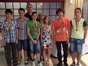 Млади математици се върнаха с шест медала от Македония