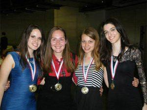 Четири ученички се върнаха с медали от Люксембург