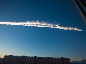 Метеорит се вряза в Русия (видео)