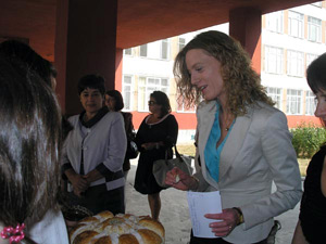 Милена Дамянова награждава ученици
