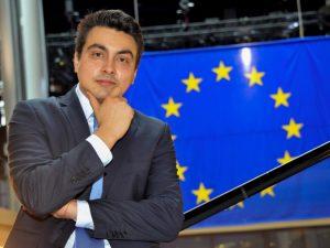 81 000 деца в България никога не са стъпвали в училище, констатира евродепутат