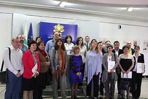 "Връчиха договори по програма ""Фонд за стипендии на Европейското икономическо пространство (ЕИП)"""
