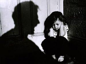 Болшинството българи одобряват минималното насилие над децата