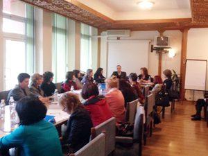 Зам.-министър участва в обучение на учители, работещи с деца бежанци