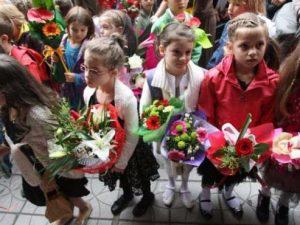 Над 17 000 деца са записани на училище за една година