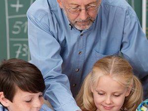 Кога трябва да се пенсионират учителите?