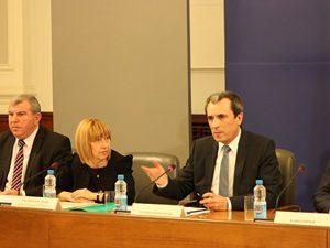 Премиер и министър обсъждат със студенти проекта за Стратегия за висшето образование