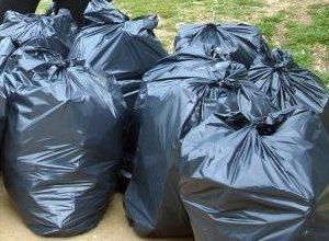 Ученици извадиха 65 чувала с боклуци от река