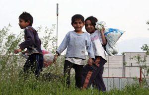 Все по-малко ромски деца отпадат от училище