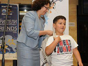 Радио София и министър Коларова наградиха седем първолаци