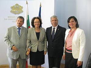 Министър и посланик обсъдиха съвместни инициативи и проекти