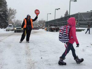Зимата затвори всяко второ училище