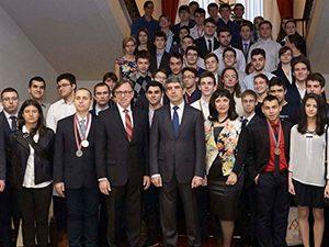 Проведе се петата среща на олимпийските отбори по природни науки