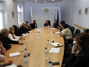 Министър Клисарова се срещна с представители на хората с увреждания