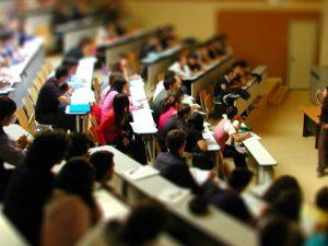 С 8% намаляват броя на субсидираните от държавата студенти