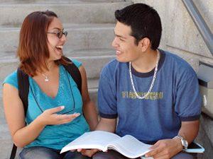 Обучение на ученици в САЩ и Великобритания