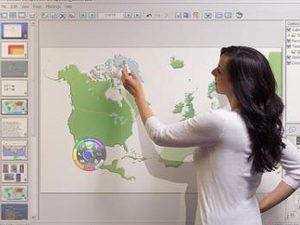 Търсят се учители по география, история и философия