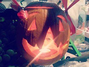 Мнение: Хелоуин ни превръща в изтърбушени тикви от бостана на глобалното село