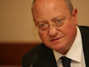 Проф. Танев: Трябва да се промени зрелостният изпит в България