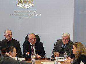 Проф. Танев: История Славянобългарска нито пада, нито изчезва