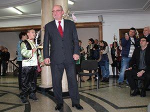 Министърът сурвакан по повод Ромската Нова година