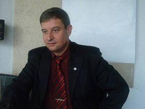 Юлиан Петров: Някой ден ще се учи без учебници или с електронни