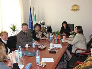 Зам.-министър и шеф на синдикат проведоха среща за дуалното обучение