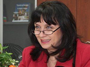 Ваня Кастрева: Правете разлика между задължителна литература и формиране на нагласи!