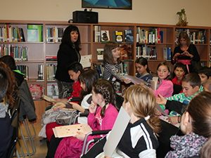 Ваня Кастрева към учениците: По време на празниците отдъхвайте с книга в ръка