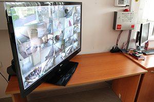 Професионална гимназия в Перник откри приемна за родители