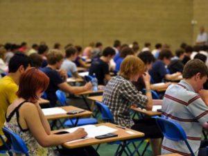 "В XI и XII клас ще се изучава ""Гражданско образование"""
