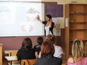 Нов проект мотивира кандидати за учители