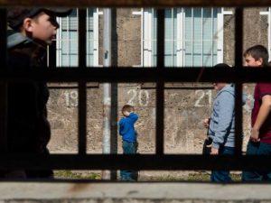 Родители и ученици скочиха срещу РУО-Ловеч