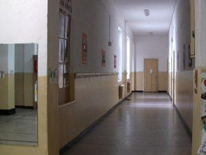 Боил Банов поиска оставката на директор, отказал да назначи учител без конкурс