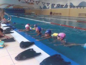 Затвориха басейн в училище, децата давали по 6 лева да плуват