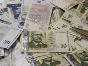 Увеличават се парите за българските училища в чужбина