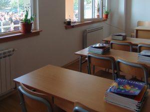 Напрежение сред родители и ученици заради обединение на две училища в Бургас