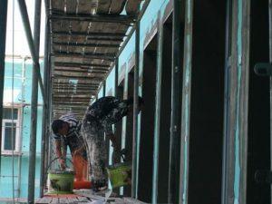 Експерт: Няма да има учене по време на строителство в училищата