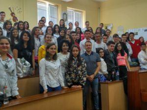 Близо 2500 ученици се срещнаха с журналисти в училище
