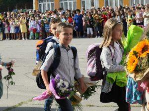 46 000 първокласници ще получат 250 лв. помощ в началото на учебната година