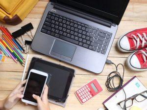 Франция забранява и криминализира смартфоните в училище