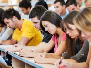 Изпитът по български в ПУ се оказа по-лесен от матурата