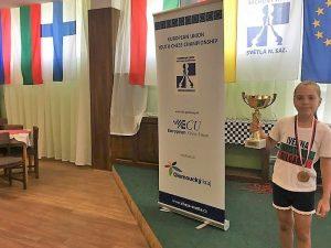 10-годишната Ивелина от Добрич е шампион на Европейския съюз по шах