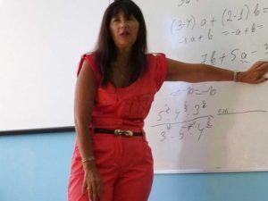 Бизнес дама от София стана учителка по математика в Столипиново