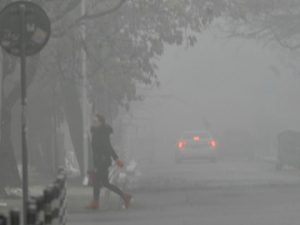 Ден-два мръсен въздух няма да разболее учениците, според Вълчев