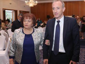 Янка Такева: Уцелихме десетката в образованието с МОН